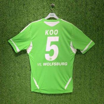 WOLFSBURG 11/12 (HOME) S/S JSY U37579 w/ NAMESET (#5 KOO)